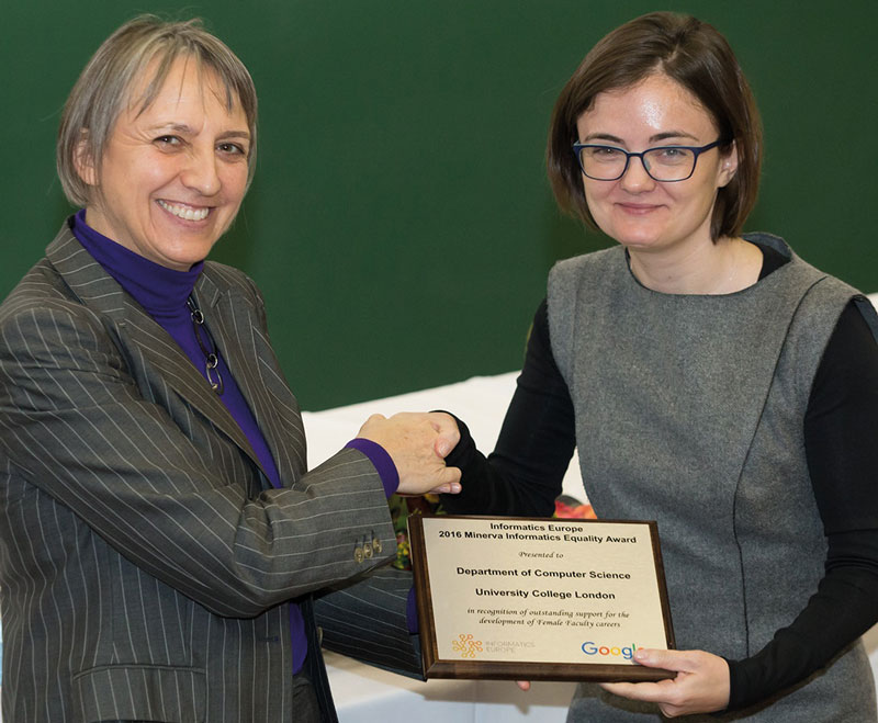 Lynda Hardman, President Informatics Europe (left) presents the Minerva Informatics Equality Award to Alexandra Silva from University College London. Photo: Altagra, Hungary