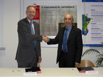 Jan Karel Lenstra, general director CWI (left) and Michel Cosnard, president INRIA.