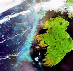 A large aquamarine-coloured phytoplankton bloom is shown stretching across the length of Ireland in the North Atlantic Ocean in this image, captured on 6 June 2006 by Envisat's Medium Resolution Imaging Spectrometer (MERIS), a dedicated ocean colour sensor able to identify plankton concentrations. Harmful algal blooms (HABs) is particularly dangerous to fish farms because the fish cannot flee affected areas. D4Science can, for example, provide the infrastructure for an early warning system of HABs to prevent fish farmers from losing an entire stock in a single day. Photo: European Space Agency.